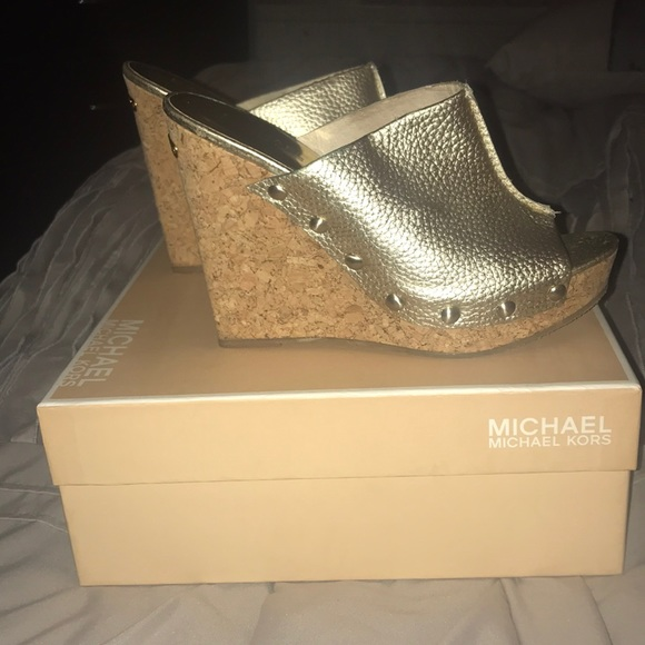 58e108fe9bfeb7 MICHAEL Michael Kors Shoes